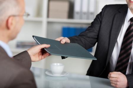 پیشنهاد شغلی و گواهی تایید صلاحیت