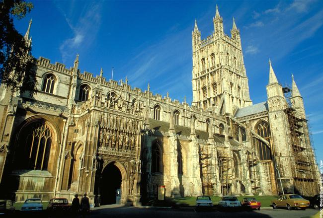 چه مدت می توانم با ویزا خادم دینی درجه 2 در انگلستان بمانم؟