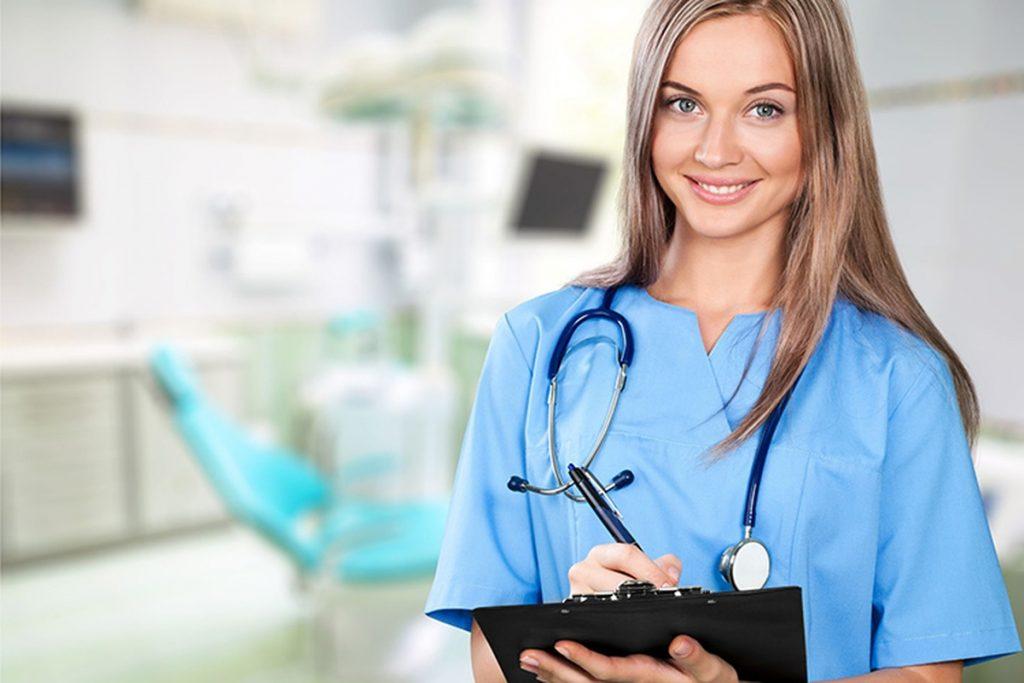 کانادا به پرستاران نیاز دارد: سالیانه تا 128700 دلار درآمد کسب کنید!