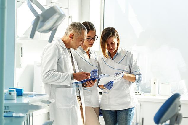 دندانپزشکان مهاجر به کانادا چه وظایفی دارند؟