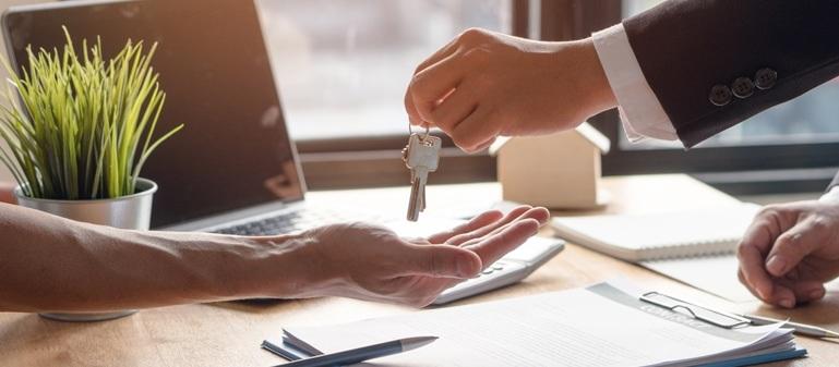 چگونگی خرید ملک و اقامت در انگلستان